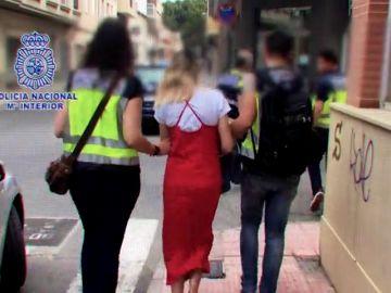 <p>Sin oponer resistencia y con actitud fría: así fue la detención de Alejandra García por el crimen del niño de Elda</p>