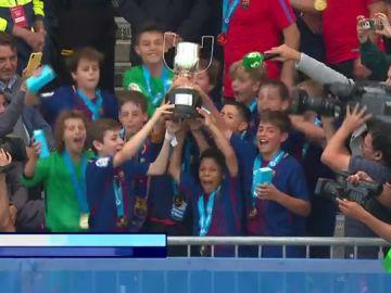 <p>El Barcelona se proclama campeón de LaLiga Promises con un gol de Iván ante el Espanyol</p>