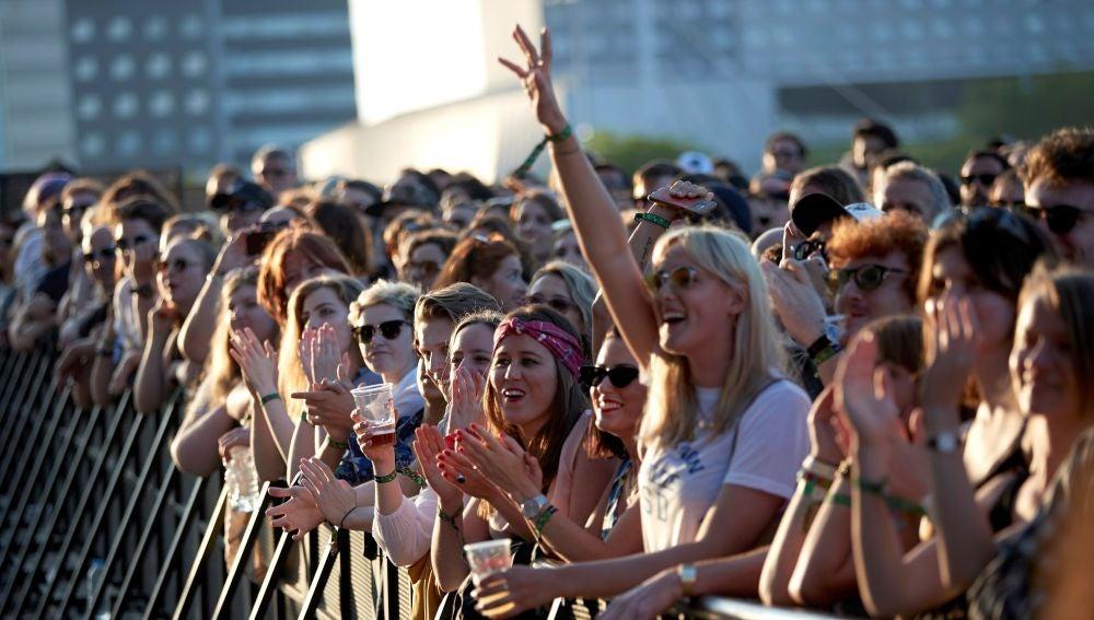 El público disfruta durante la tercera jornada del festival de música Primavera Sound