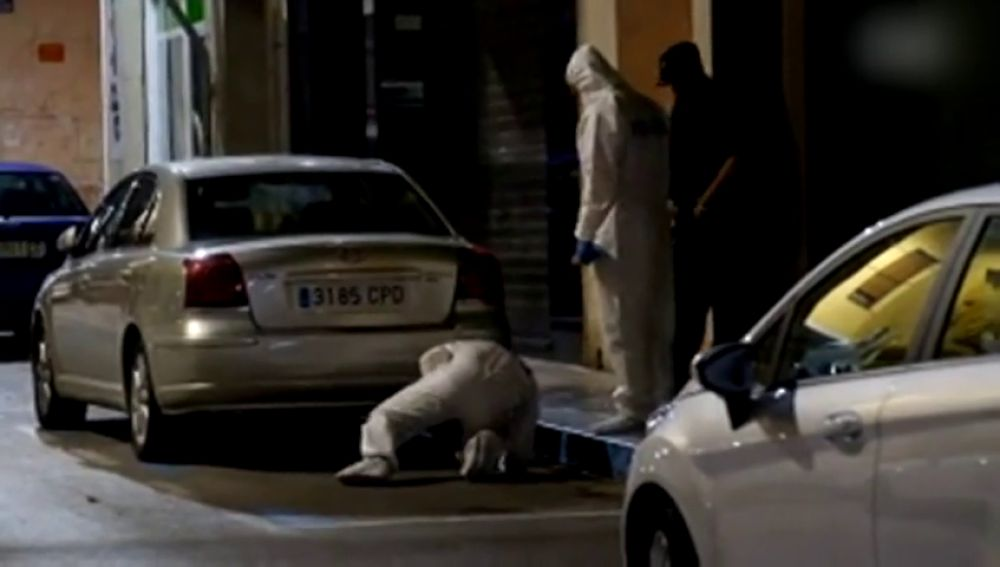 <p>Sin testigos, huellas o signos de huida: la difícil investigación del crimen del pequeño Dominique en Elda</p>