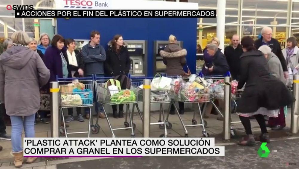<p>Así es la revolucionaria iniciativa que 'ataca los supermercados' para  acabar con el uso exagerado del plástico</p>