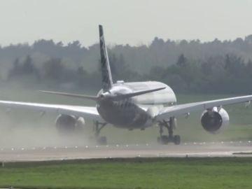 """<p><p class=""""MsoNormal""""><span>El espectacular despegue en vertical del avión Airbus A350 que te dejará helado<span><o:p></o:p></span></span></p>"""