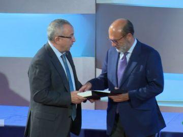 Javier Bardají, director general de Atresmedia recoge el premio 'Corazón Solidario de Oro'