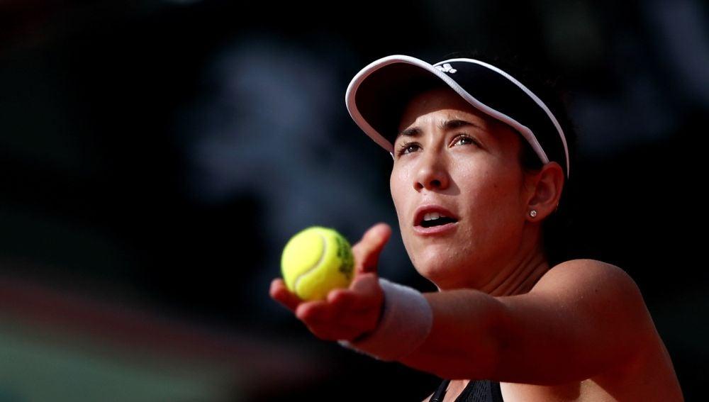 Garbiñe Muguruza, en acción en Roland Garros