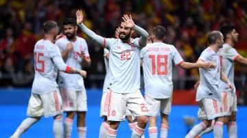 Isco celebra un gol con la selección española