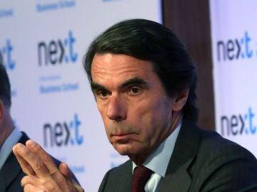 José María Aznar reaparece