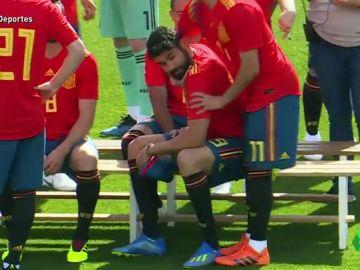 <p>Las bromas con Diego Costa, la actividad de Ramos, carreras entre periodistas: así ha sido el 'media day' de España</p>