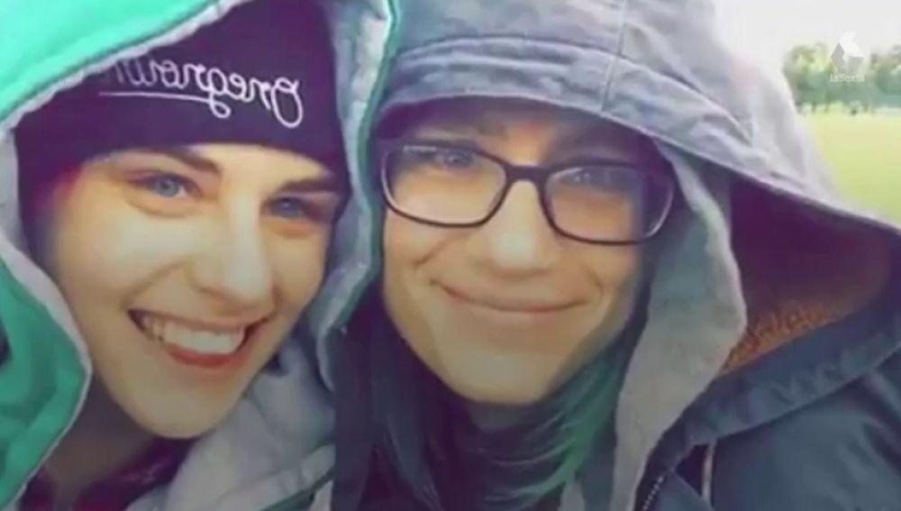 Un hombre agrede brutalmente a una pareja de lesbianas hasta dejar inconsciente a una de ellas