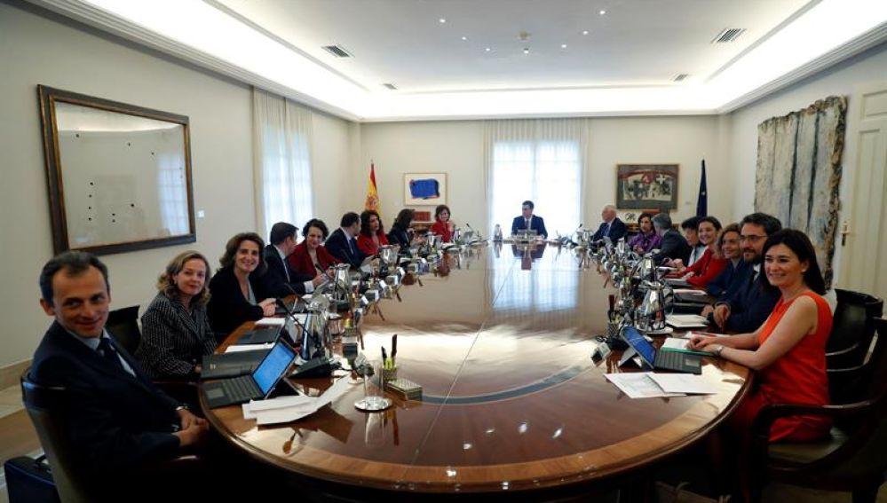 La primera reunión del Consejo de Ministros del Gobierno de Sánchez