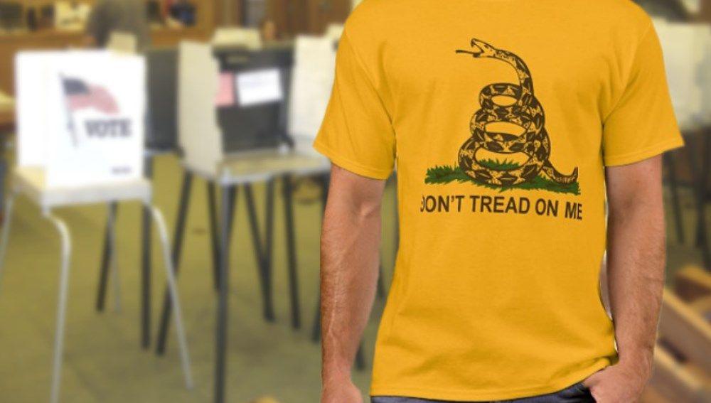Camiseta con la bandera amarilla de Gadsden