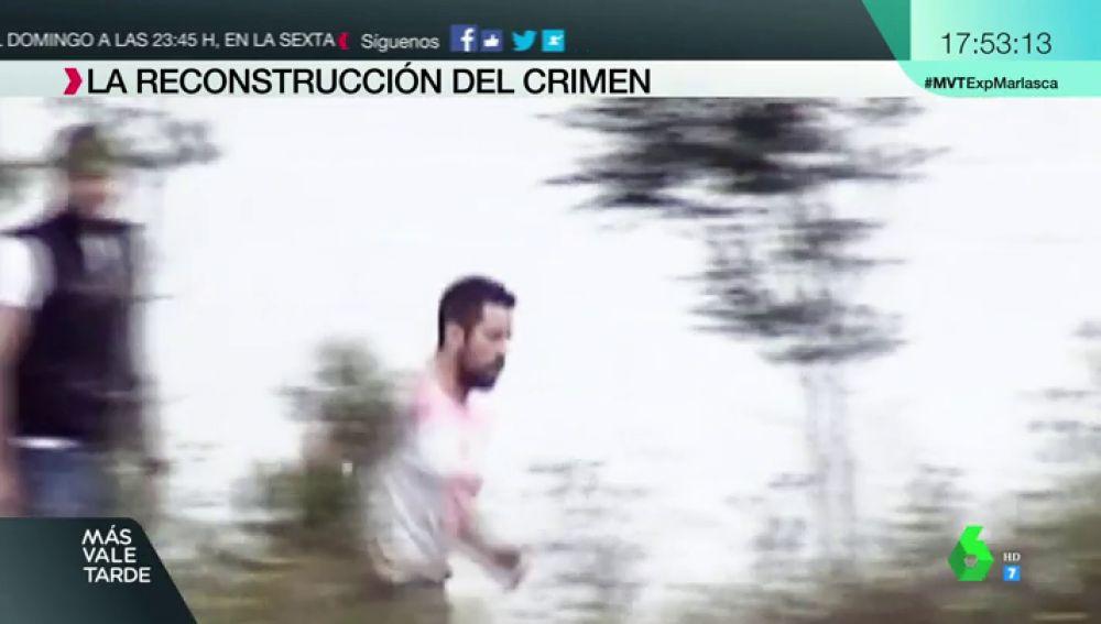 Cargado con dos bidones, corriendo... las imágenes de 'el Chicle' reconstruyendo el asesinato de Diana Quer