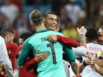 Cristiano y De Gea se saludan tras el partido