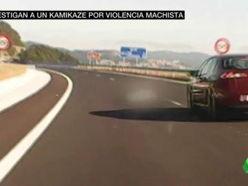 Intenta suicidarse conduciendo a lo kamikaze con su mujer a bordo, sobrevive y se abalanza contra otro coche en marcha
