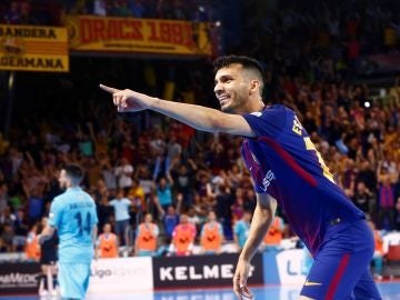 Esquerdinha celebra su gol contra el Movistar Inter