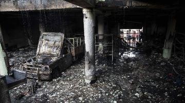 Registro este sábado de una casa incendiada, donde seis personas murieron