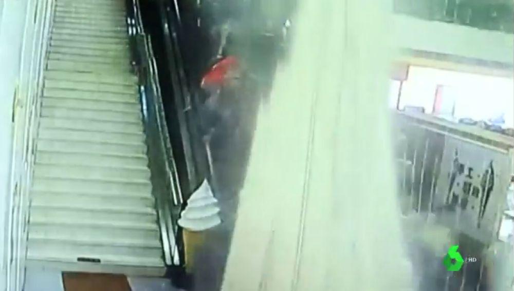 Se derrumba el techo de un centro turístico del noroeste de China