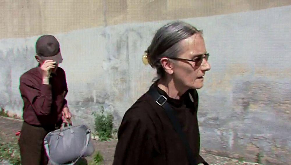 Expediente Marlasca intentar traspasar los muros de la iglesia del Palmar de Troya