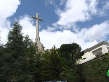El PSOE quiere que el Gobierno de Sánchez traslade los restos de Franco del Valle de los Caídos