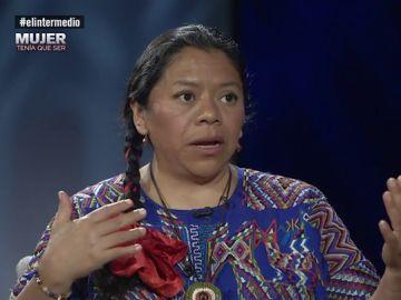 """Habla Lolita Chávez, líder indígena en Guatemala: """"Ahí es delito social que las mujeres miremos a los ojos, debemos tener la vista en el suelo"""""""