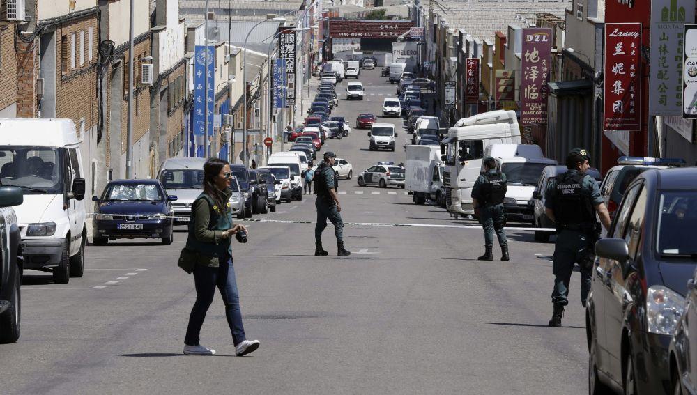 Imagen de archivo de agentes de la Unidad Central Operativa (UCO) de la Guardia Civil durante un registro en el polígono Cobo Calleja en Fuenlabrada.