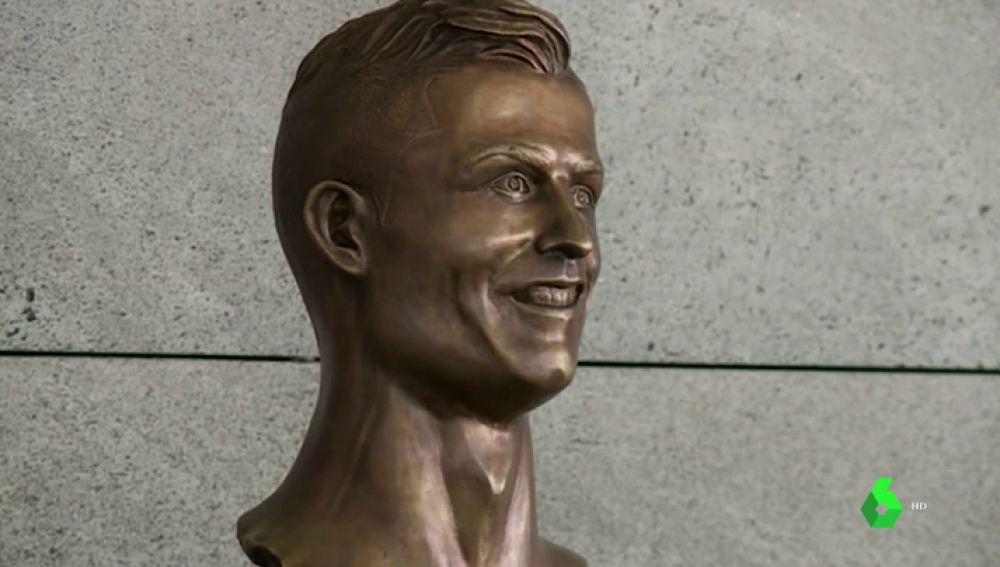 Reemplazan el famoso busto de Cristiano Ronaldo en el aeropuerto de Madeira
