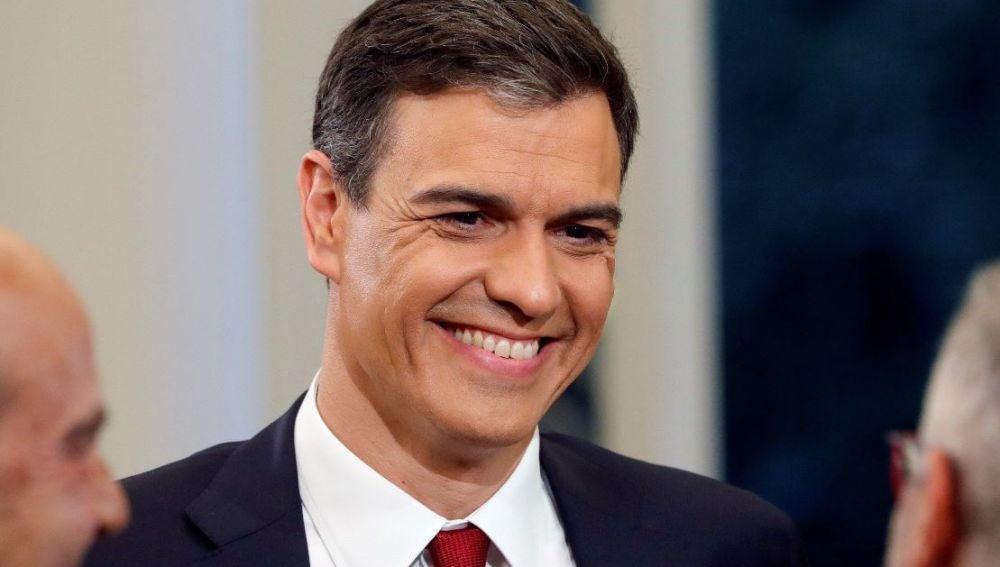 Pedro Sánchez antes de comenzar su entrevista en La Moncloa