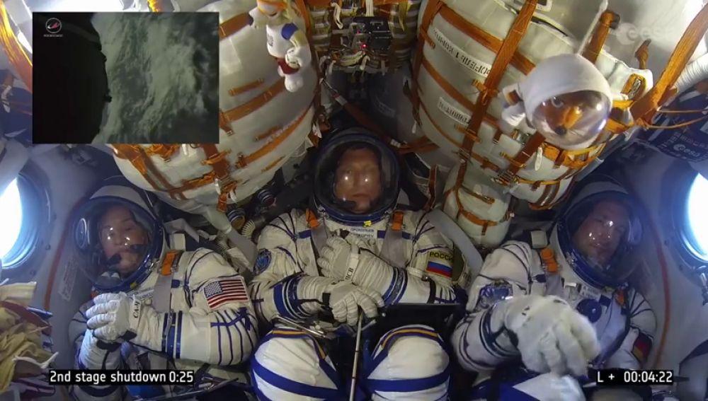 A 28.000 kilómetros/hora y con tranquilidad: el gracioso vídeo de un grupo de astronautas durante un lanzamiento