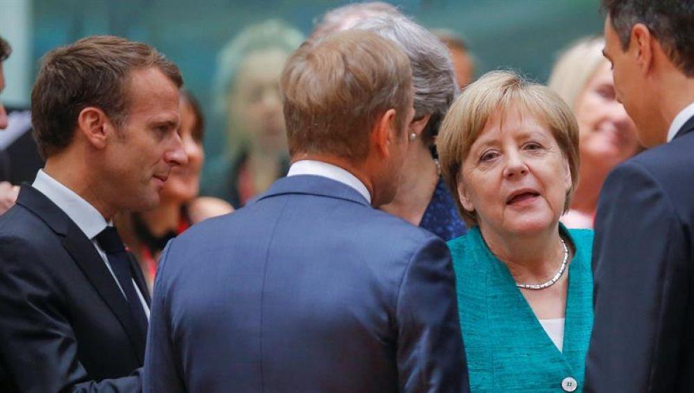 El presidente francés Emmanuel Macron, el presidente del Consejo Europeo Donald Tusk, la canciller alemana Angela Merkel, y el presidente del Gobierno español, Pedro Sánchez