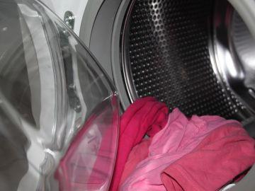 Muere asfixiado un niño de tres años tras esconderse en una lavadora