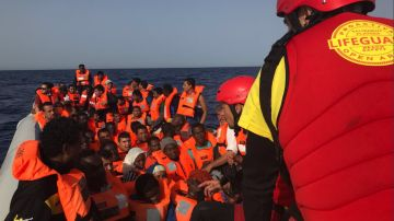 Imagen del rescate de Proactiva Open Arms en el Mediterráneo