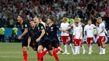 Los jugadores croatas celebran el pase a cuartos