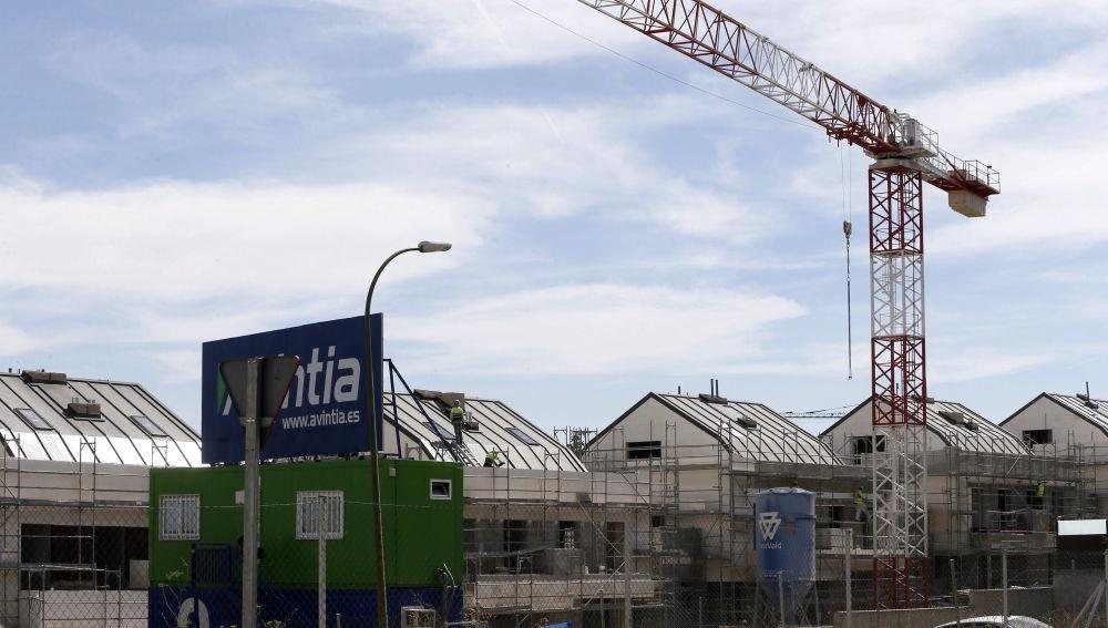 Imagen de archivo de viviendas en construcción en Madrid.