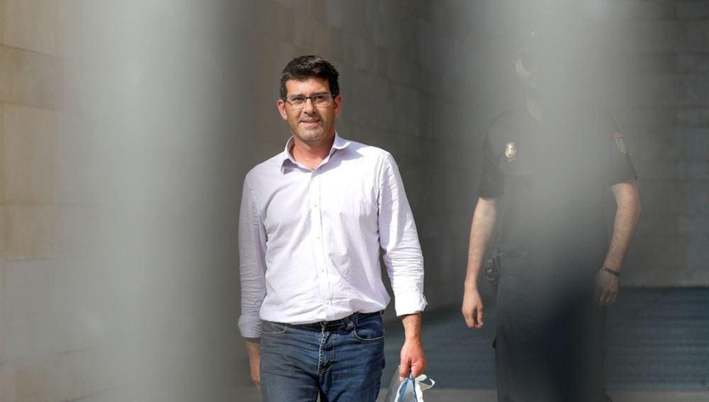 Imagen de Jorge Rodríguez en el momento de su puesta en libertad