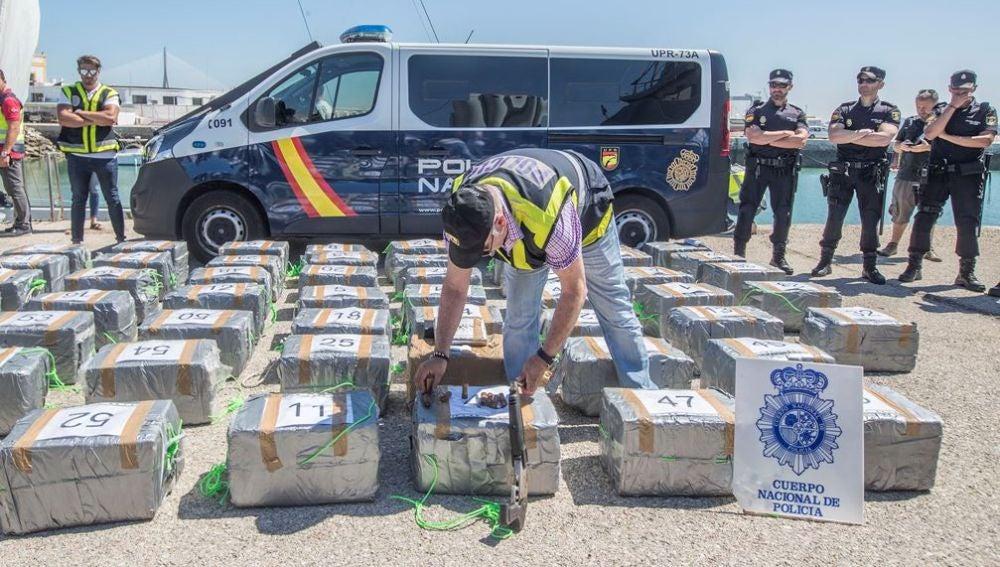 Velero interceptado con 1.500 kilos de cocaína