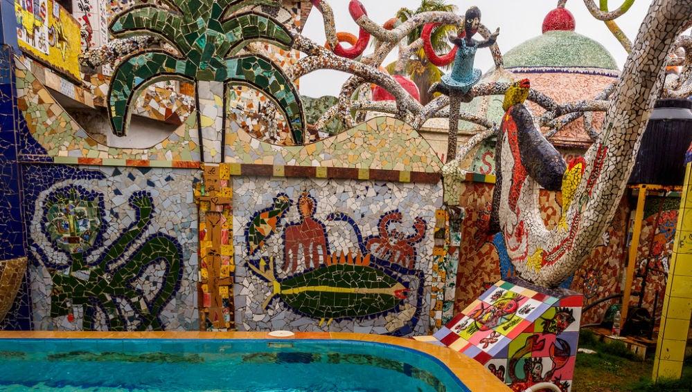 Un barrio convertido en obra de arte, así es Fusterlandia