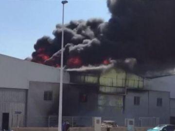 Incendio en una fábrica de Manises
