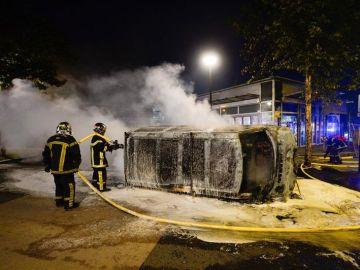 Once personas detenidas por participar en los disturbios tras la muerte de una joven delicuente en Nantes.