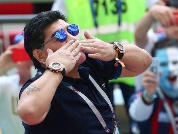 Maradona, durante el Argentina - Francia