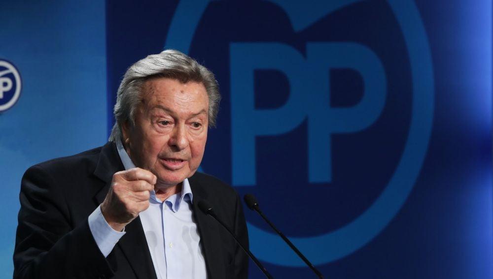 l presidente de la Comisión Organizadora del Congreso del Partido Popular, Luis de Grandes