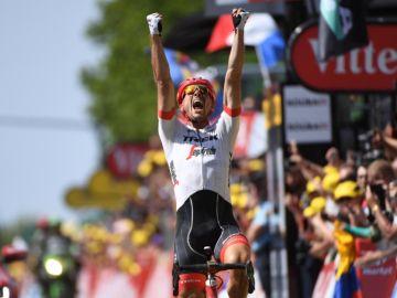 John Degenkolb celebra la victoria de etapa