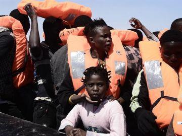 En la imagen la llegada de un grupo de migrantes