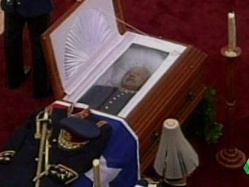 La anomalía del Valle de los Caídos, o por qué Mussolini, Pinochet o Ceaucescu no tienen mausoleos