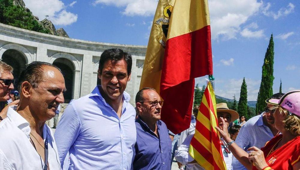 Luis Alfonso de Borbón en la manifestación en el Valle de los Caídos contra la exhumación de Franco