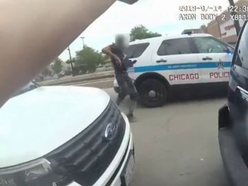 Difunden el vídeo del momento de la muerte del hombre afroamericano que provocó disturbios en Chicago