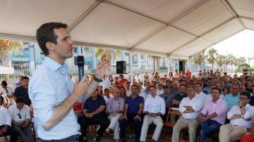 Pablo Casado en un encuentro con compromisarios en Roquetas de Mar