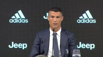 Cristiano Ronaldo, en su presentación con la Juventus