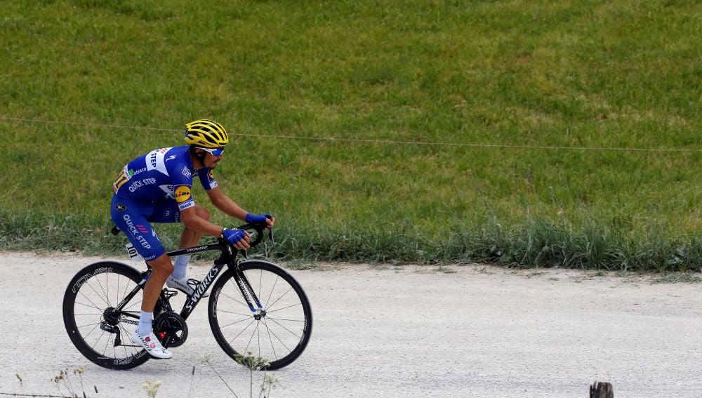 Alaphilippe, durante la etapa 10 del Tour de Francia