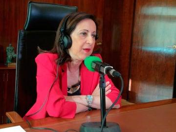La ministra de Defensa, Margarita Robles, durante una entrevista