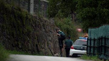 Buscan a un hombre huido tras pasar 12 horas atrincherado