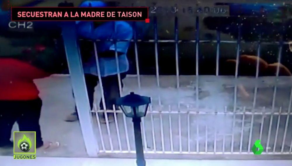 En la puerta de su casa y después de llevarle un ramo de flores: Así secuestraron a la madre del futbolista Taison